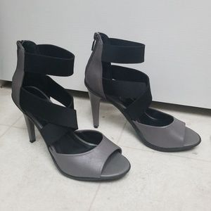 9329a1c3d142 Kenneth Cole Reaction Shoes - NWOT Kenneth Cole sexy strappy sandals heels